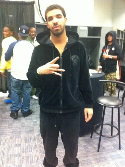 Drake Performs In Versace Velour Sweatsuit And Timberland